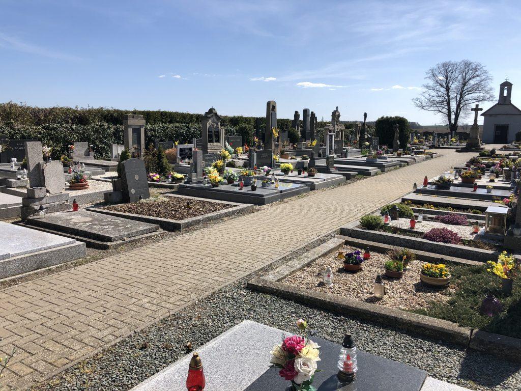 Hřbitov v Pohoří